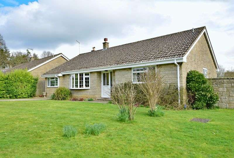 4 Bedrooms Detached Bungalow for sale in Longburton, Dorset