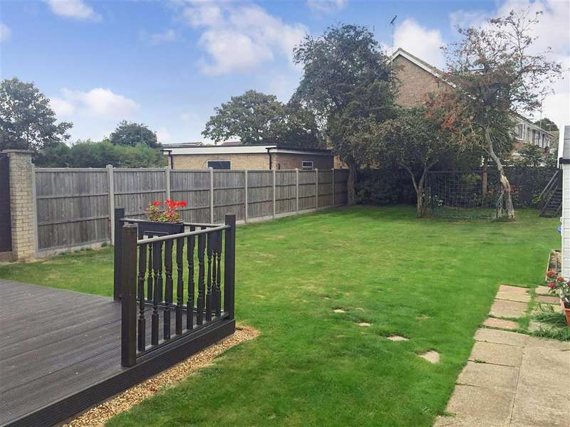 4 Bedrooms Detached House for sale in Esher Drive, Littlehampton, West Sussex
