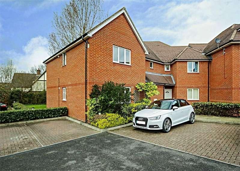 2 Bedrooms Flat for sale in Elliott Court, Roebuck Estate, Binfield, Bracknell, Berkshire