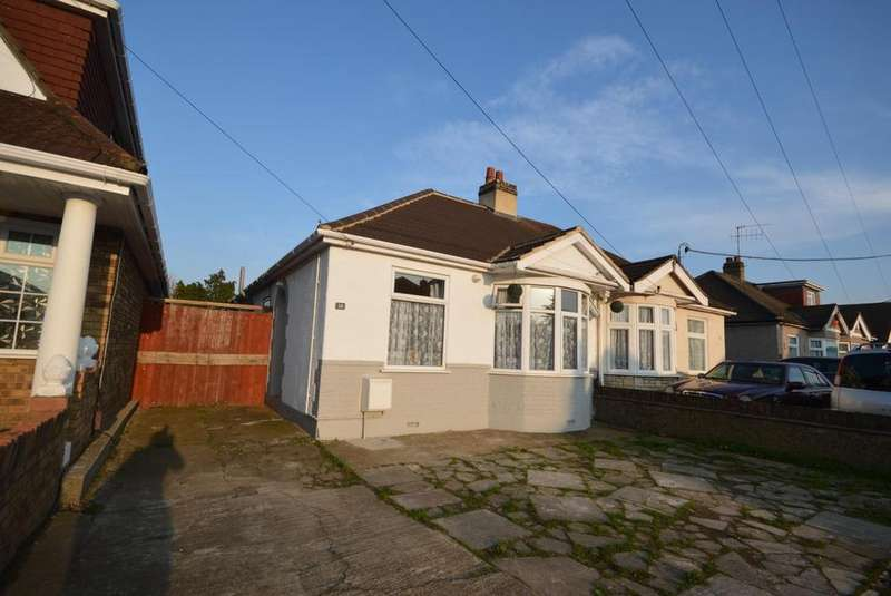 3 Bedrooms Semi Detached Bungalow for sale in Stanley Road North, Rainham, Essex, RM13