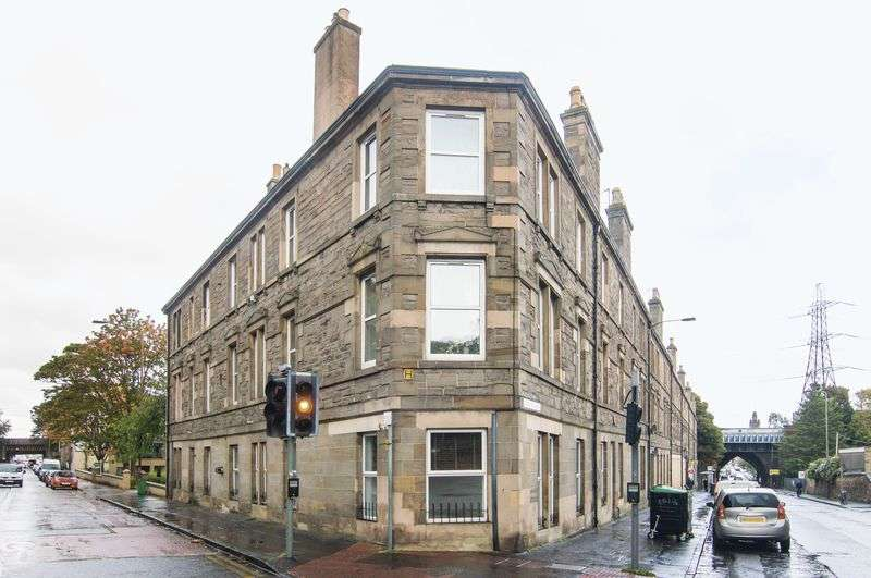 3 Bedrooms Flat for sale in 26/1 Southfield Place, Duddingston, Edinburgh, EH15 1LZ