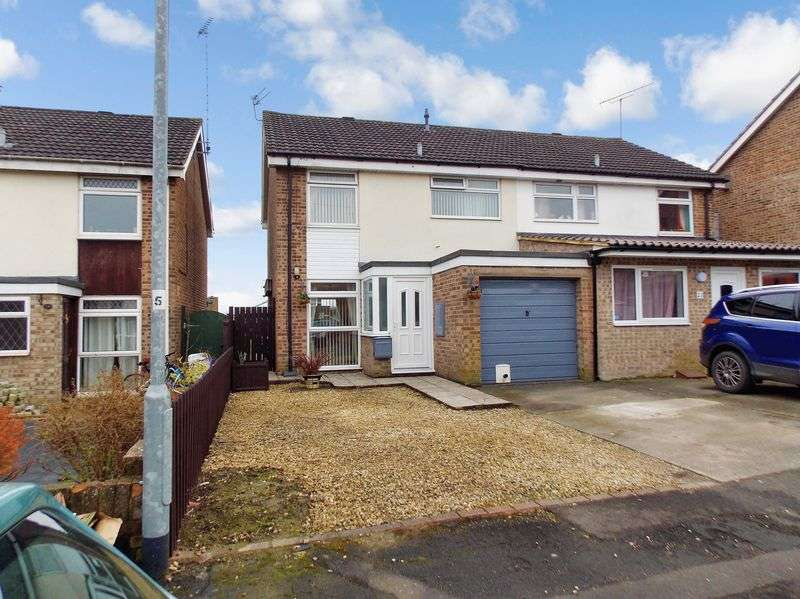 3 Bedrooms Semi Detached House for sale in Butlers Gardens, Frome