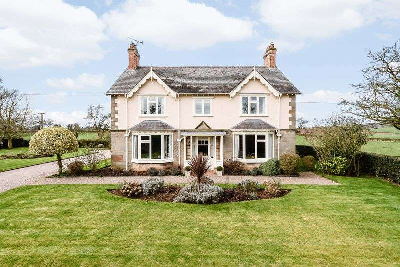 5 Bedrooms Detached House for sale in Bickerton Road, Malpas
