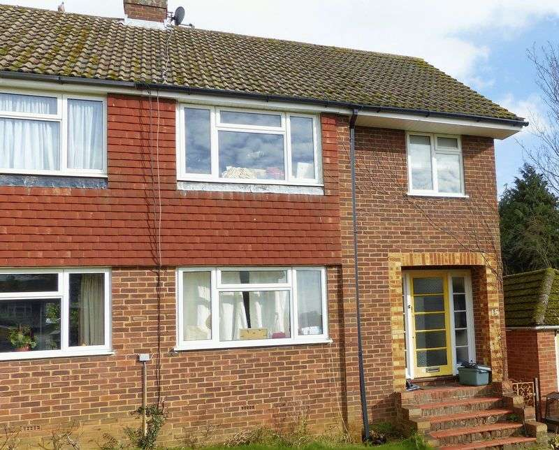 3 Bedrooms Terraced House for sale in Marlow.