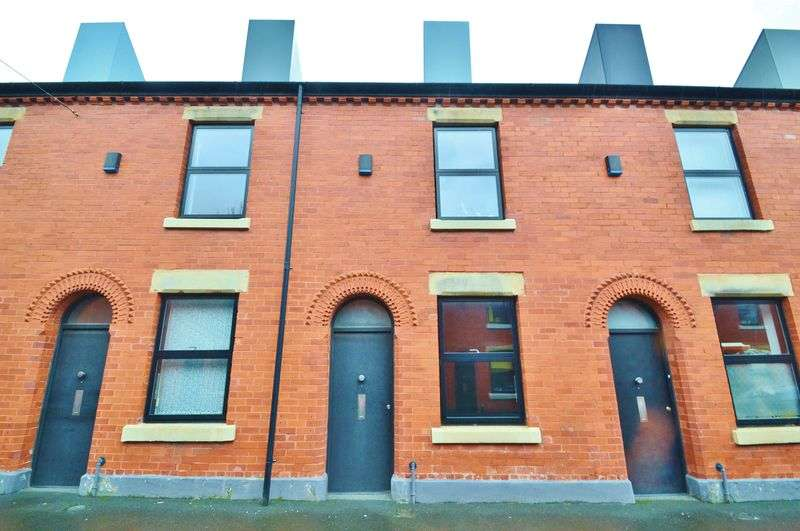 2 Bedrooms Terraced House for sale in Ash Street, Salford