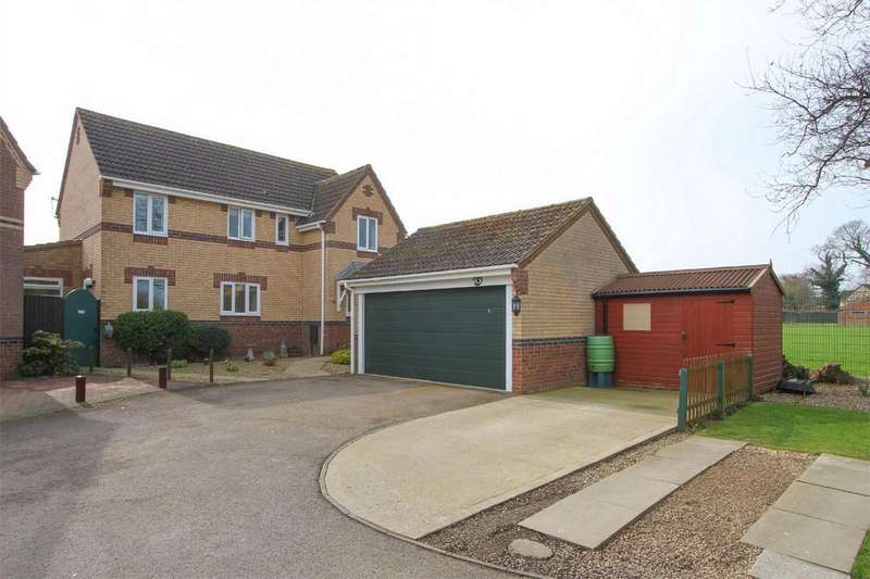 5 Bedrooms Detached House for sale in Churchfields, Hethersett, Norfolk