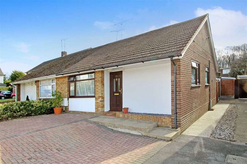 2 Bedrooms Bungalow for sale in Woodland Close, Long Ridings, Hutton