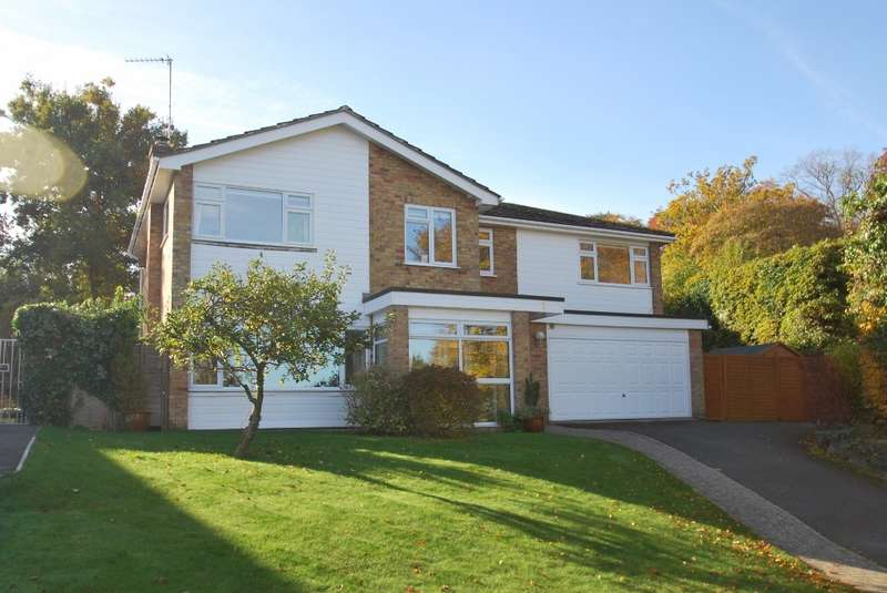 5 Bedrooms Detached House for sale in St Leonards Road, Chesham Bois, HP6