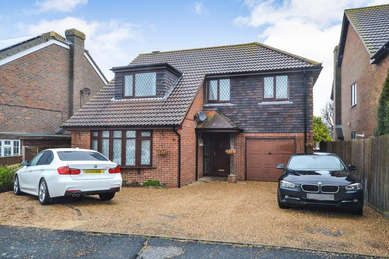 4 Bedrooms House for sale in St Davids Close, Eastbourne, BN22