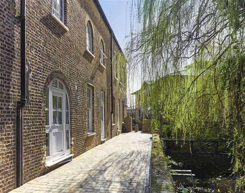 2 Bedrooms Property for sale in The Watermill, Harefield, Middlesex, UB9