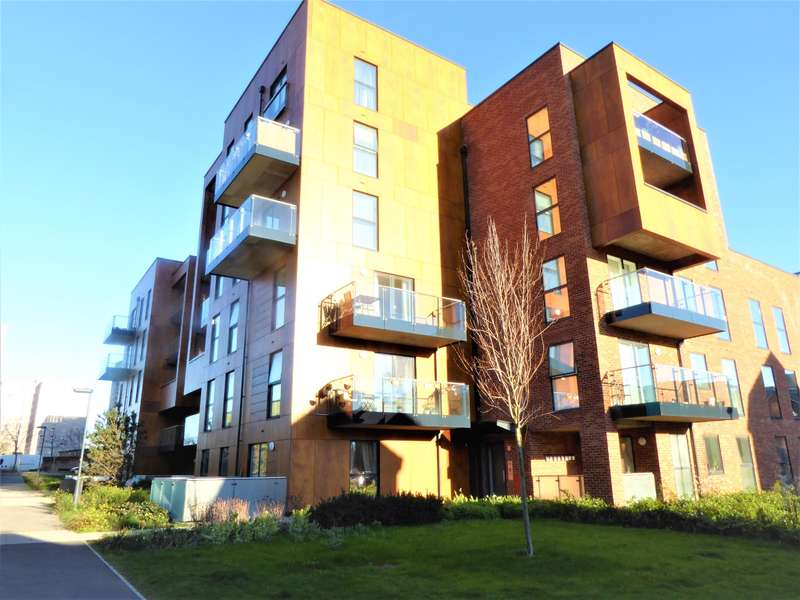 2 Bedrooms Ground Flat for sale in Beadle Place, Callender Road, Erith, Kent, DA8 3FE