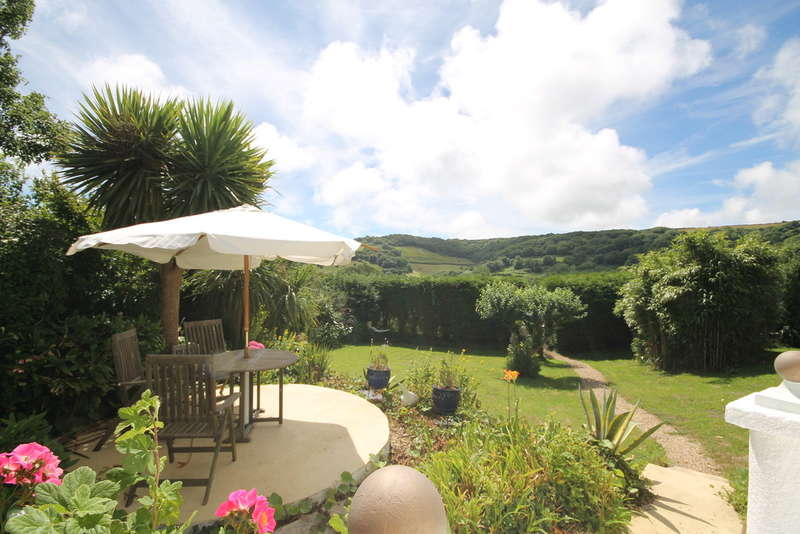 2 Bedrooms House for sale in Luccombe, Isle of Wight
