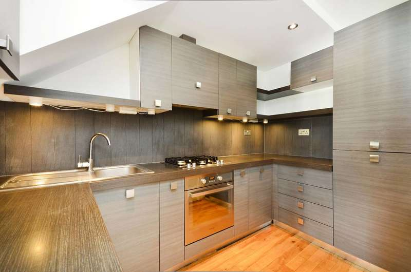 3 Bedrooms Flat for sale in Witham Road, West Ealing, W13