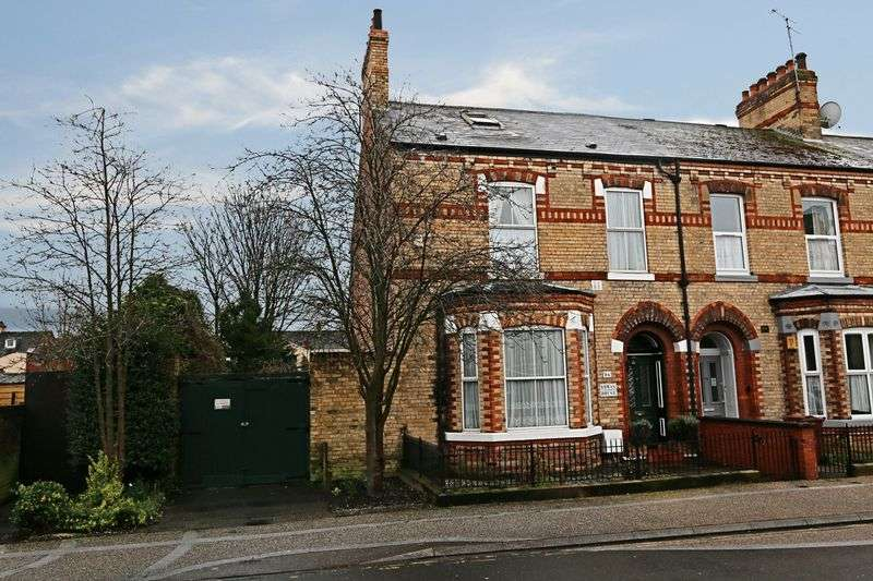 4 Bedrooms Terraced House for sale in Albany Street, Hull