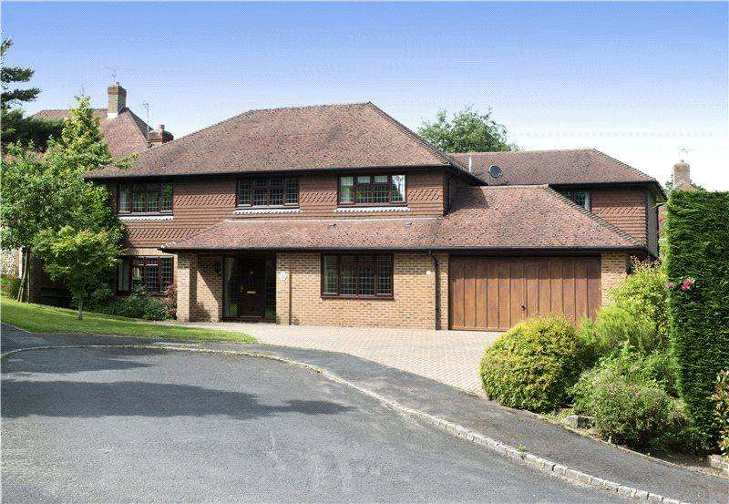 5 Bedrooms Detached House for sale in White Friars, Sevenoaks, Kent, TN13