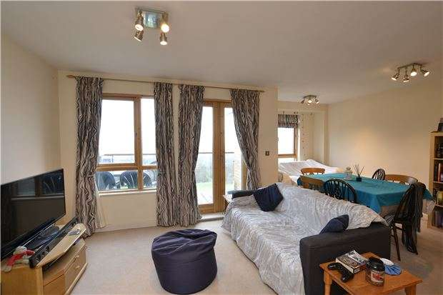 2 Bedrooms Property for sale in Pople Walk, Ashley Down, Bristol, BS7 9BF
