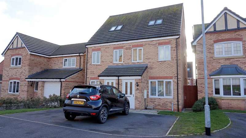 3 Bedrooms Semi Detached House for sale in Gadwall Croft, Newcastle, Staffs