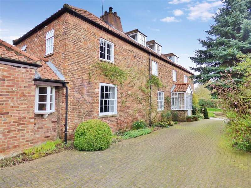 5 Bedrooms Detached House for sale in North Road, Lund, East Yorkshire