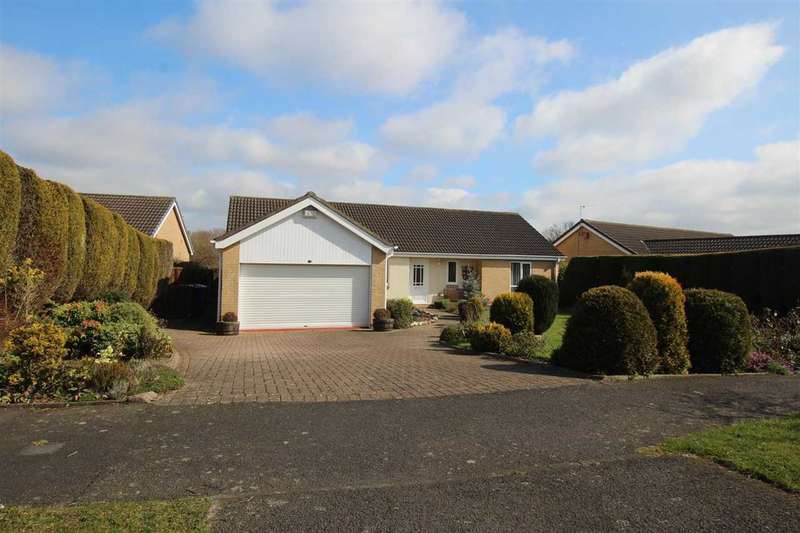 3 Bedrooms Bungalow for sale in Richmond Way, Barns Park, Cramlington