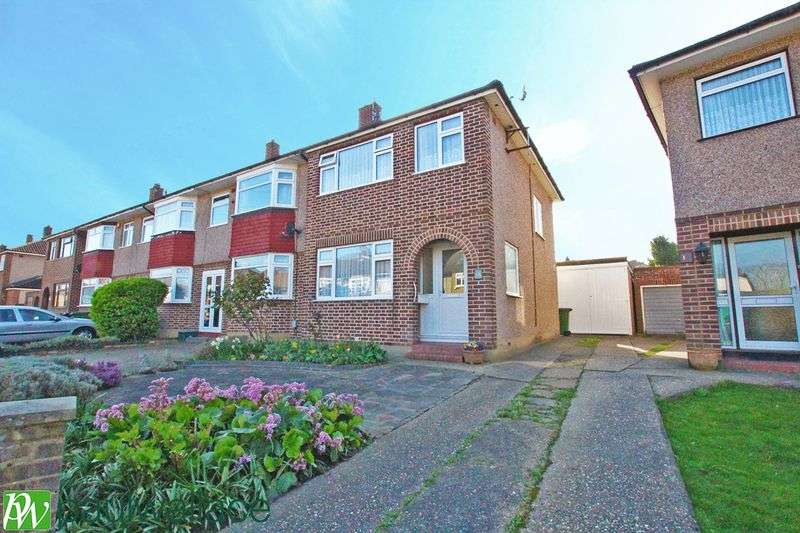 3 Bedrooms Terraced House for sale in Rodney Crescent, Hoddesdon