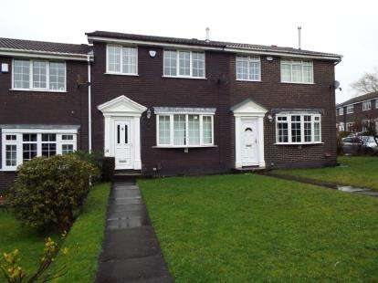 3 Bedrooms Terraced House for sale in Braemar Gardens, Ladybridge, Bolton, Greater Manchester, BL3