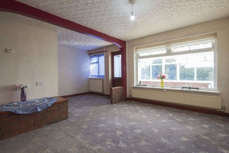 3 Bedrooms Semi Detached House for sale in The Links, Pontypool