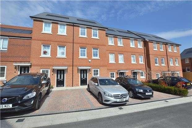 4 Bedrooms Terraced House for sale in Woodland Road, Dunton Green, Sevenoaks, Kent, TN14 5GD