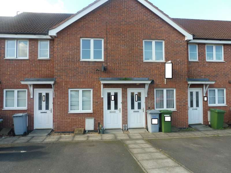 2 Bedrooms Flat for sale in Williams Lane, Fernwood, Newark, NG24