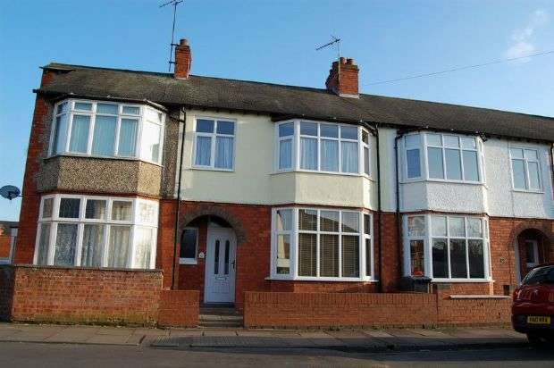 3 Bedrooms Terraced House for sale in Cedar Road East, Abington, Northampton NN3 2JF
