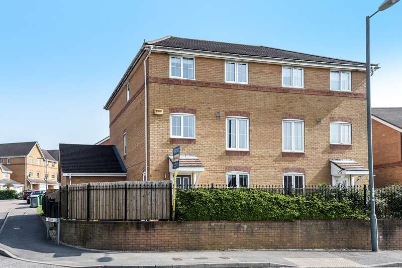 4 Bedrooms Town House for sale in Ferndown Close, Beggarwood, Basingstoke, RG22