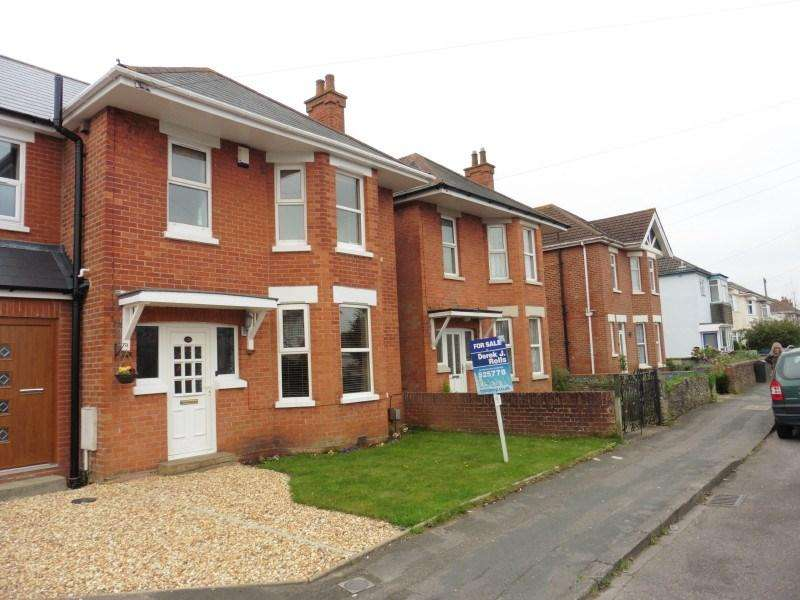 3 Bedrooms Semi Detached House for sale in Kingswell Road, Ensbury Park, Bournemouth