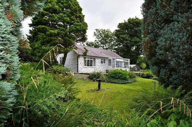 2 Bedrooms Cottage House for sale in Garndolbenmaen, Gwynedd, North Wales