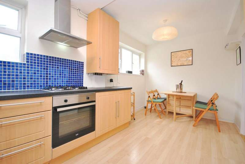 3 Bedrooms Flat for sale in Bronti Close Walworth SE17