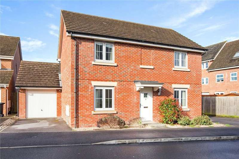 4 Bedrooms Detached House for sale in Hussars Drive, Thatcham, Berkshire, RG19