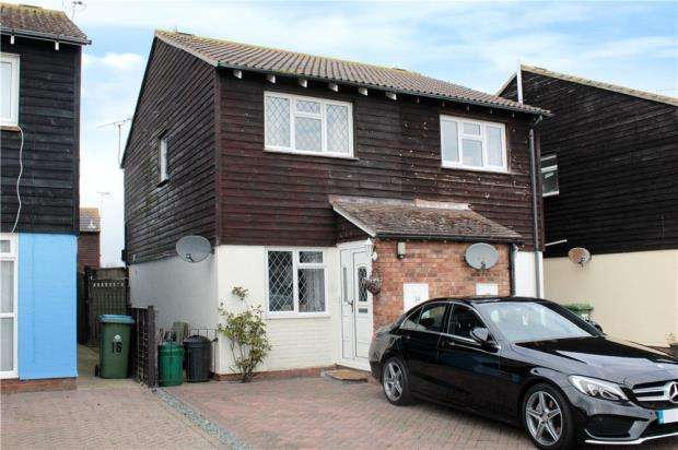 2 Bedrooms Semi Detached House for sale in Windward Close, Beaumont Park, Littlehampton, West Sussex, BN17