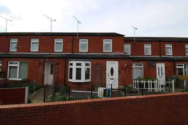 3 Bedrooms Terraced House for sale in Frettons, Basildon, Essex, SS14 1QN