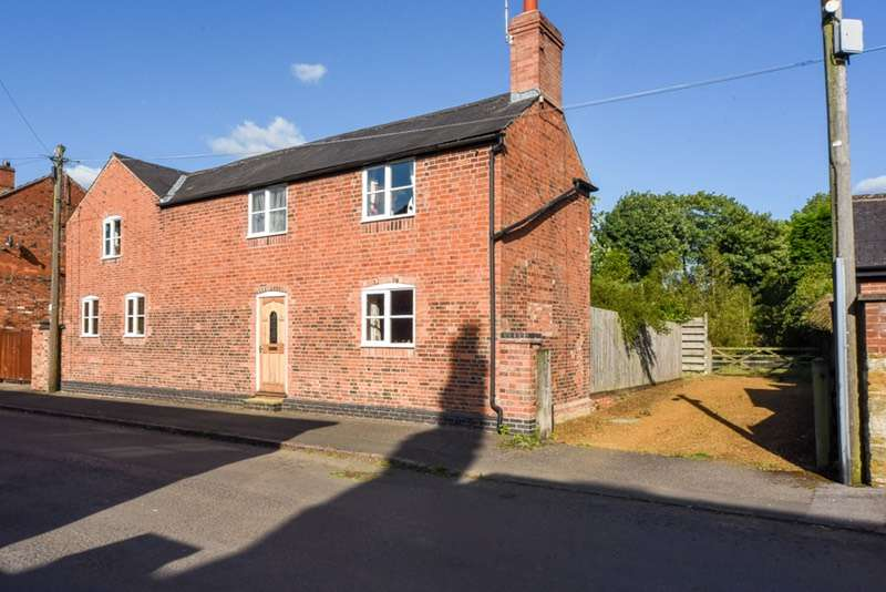 5 Bedrooms Detached House for sale in West End, Northampton, Northamptonshire, NN6