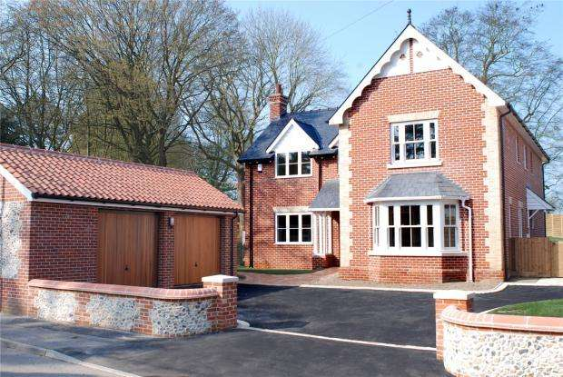 4 Bedrooms Detached House for sale in High Street, Cheveley, Newmarket