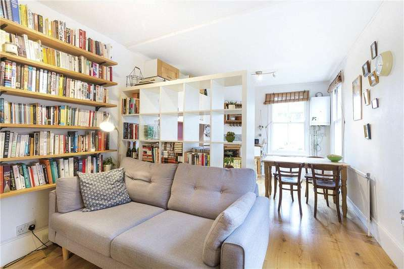 2 Bedrooms Flat for sale in Newington Green Mansions, Green Lanes, London, N16