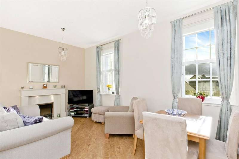 2 Bedrooms Flat for sale in 15/2 Margaret Rose Drive, Edinburgh, EH10