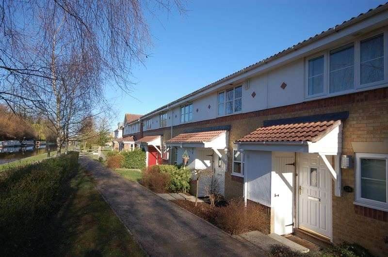 2 Bedrooms Terraced House for sale in Byewaters, Watford, WD18 8WJ
