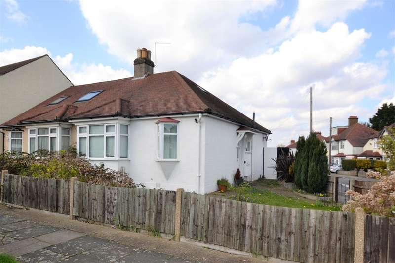 3 Bedrooms Bungalow for sale in The Drive, Morden