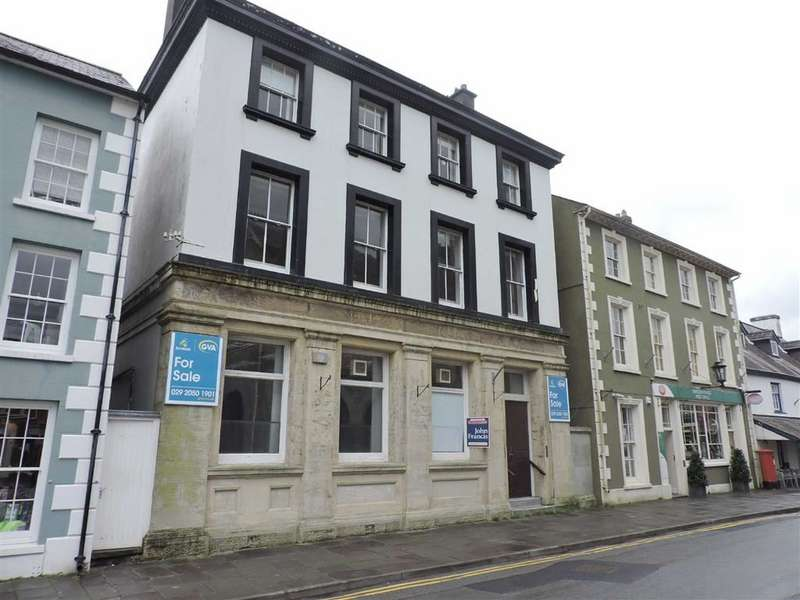 3 Bedrooms Property for sale in Market Square, Llandovery, Carmarthenshire