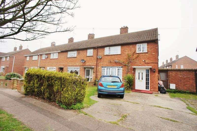 3 Bedrooms Terraced House for sale in Queen Elizabeth Way, Colchester