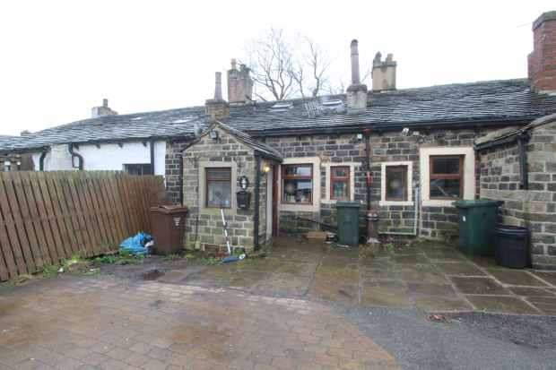 2 Bedrooms Cottage House for sale in Abb Scott Lane, Bradford, West Yorkshire, BD12 0TT
