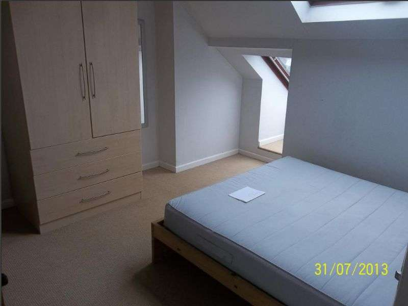 4 Bedrooms Terraced House for rent in Balfour Road, Nottingham