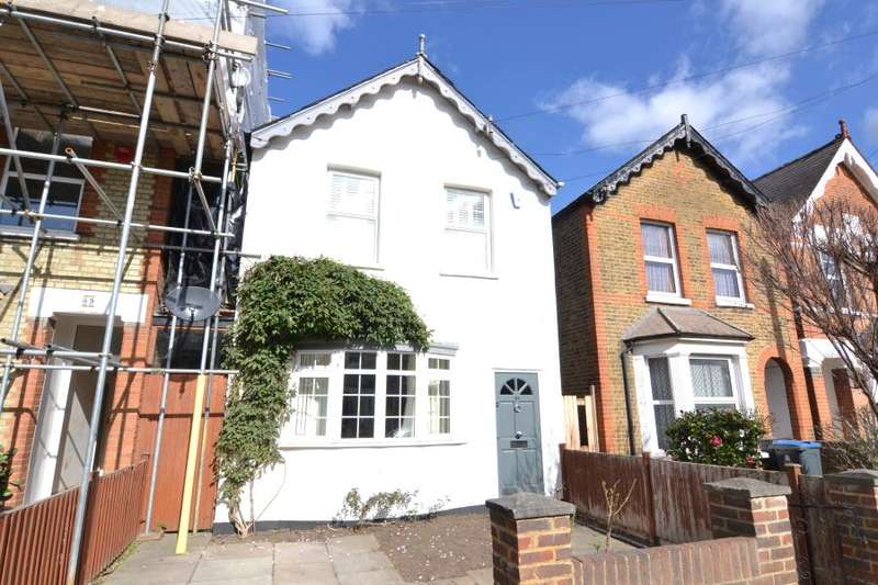 3 Bedrooms Detached House for sale in Richmond Park Road, Kingston upon Thames, KT2