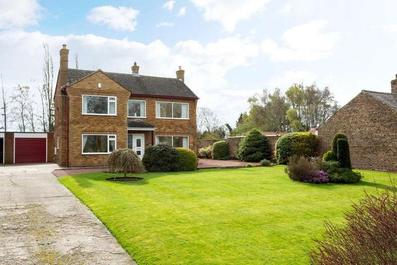 3 Bedrooms Detached House for sale in Church End, Cawood, Selby