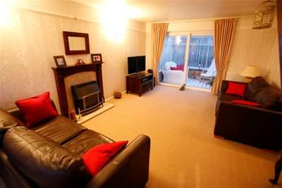 3 Bedrooms Detached House for rent in Southdale Road, Carlton, NG4