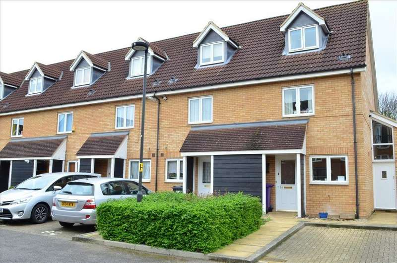 3 Bedrooms Terraced House for sale in Barnack Grove, Royston, SG8